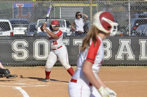 Senior Appreciation Night honors softball stars