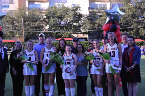 Field hockey defeats rival Kinkaid after bonding in St. Louis