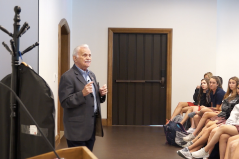 Holocaust survivor speaks to freshman class