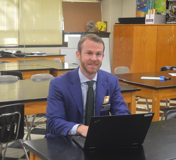 Ryan DePuit switched to teaching physics after being a researcher for Dow Chemical Company.