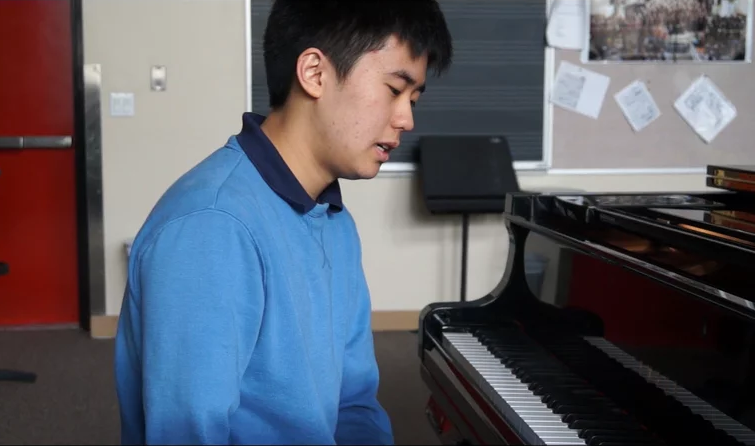 Special Music: Stephen Kim performs