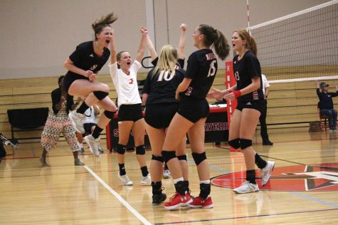 Girls' volleyball stays hopeful for SPC after key win over St. Andrew's