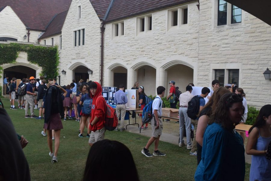 Despite the wet weather, hundreds of students attended Club Fair.