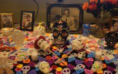 Día de los Muertos display honors loved ones