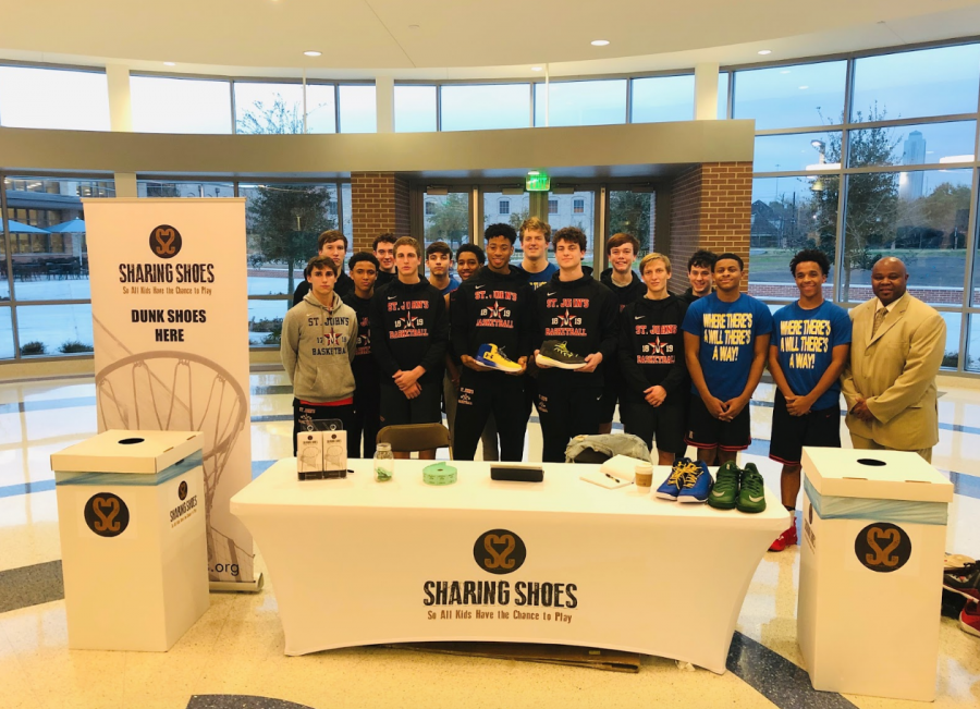 Boys' basketball teams up with Episcopal, gives back to the community