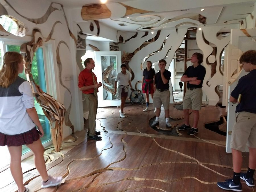 Students+tour+%22Ripple%2C%22+an+installation+in+the+art+gallery+Cherryhurst+House.