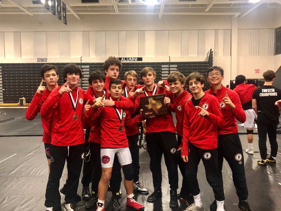 The Mavericks accrued 325 total points to their opponents' combined 70, defeating Bishop Lynch High School, ranked no. 2 among Texas private schools, 60-15 in the finals.