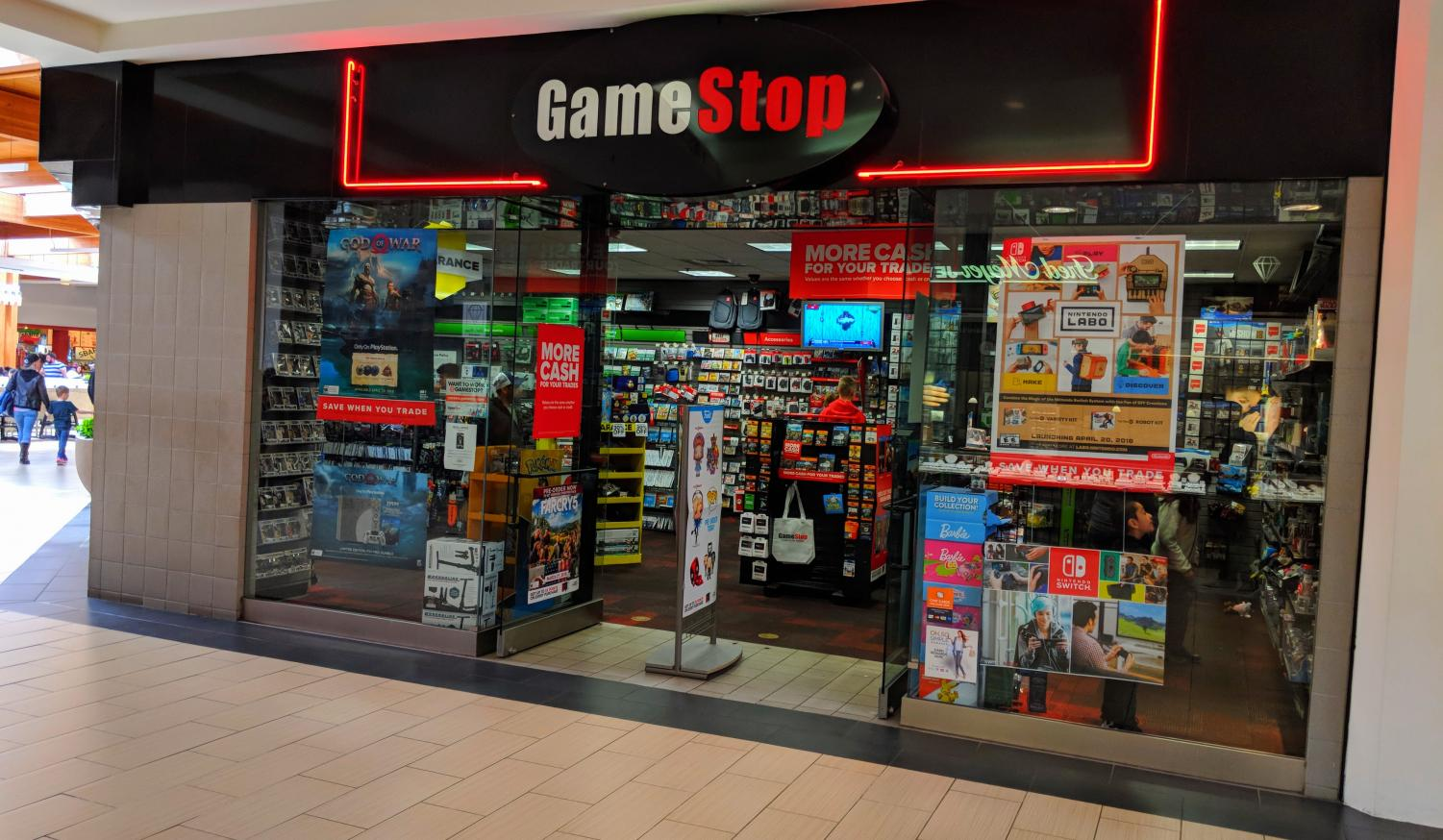 As individual traders purchased Gamestop shares, SJS students contributed their own capital towards the movement.