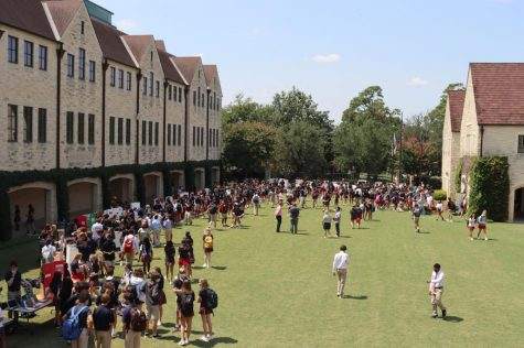 On Sept. 9 and 10, student leaders of over 100 clubs set up displays for potential new members to learn about clubs, ask questions and get connected.